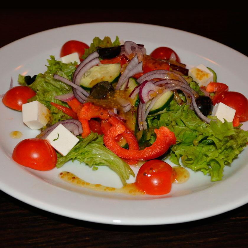Салат помидоры черри с сыром фета